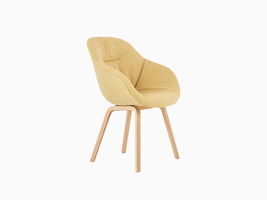 Cadeira-About-a-Chair-Amarela